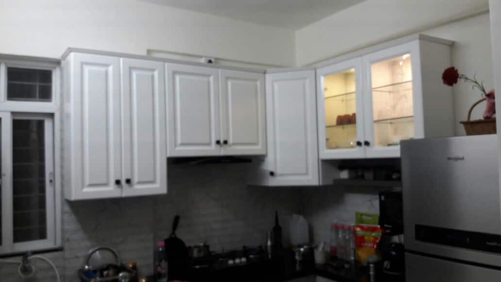 White Kitchen Cabinest in Sus Gaon Pune
